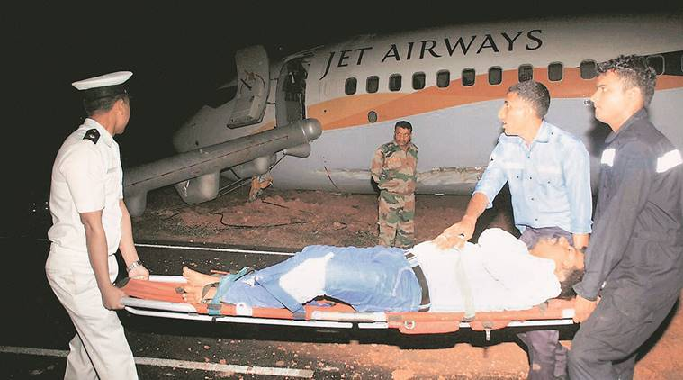 goa, delhi, goa airport, delhi airport, aircraft skidded, aircraft collission, jet airways, aviation safety norms, passengers safety, jet airways plane, goa plane skids, goa plane accident, jet airways plane accident, goa flight accident, dabolim airport accident, indian express news, india news