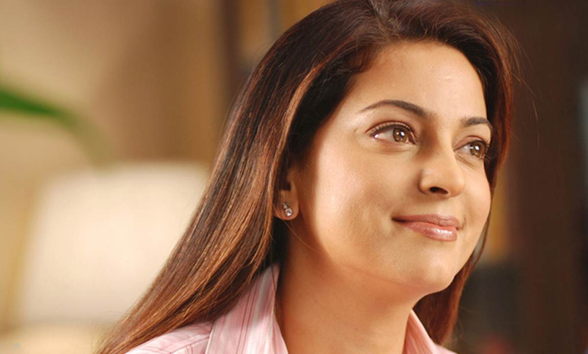 Juhi Chawla Photos 50 Best Looking Hot And Beautiful Hq Photos Of Juhi Chawla Entertainment News The Indian Express