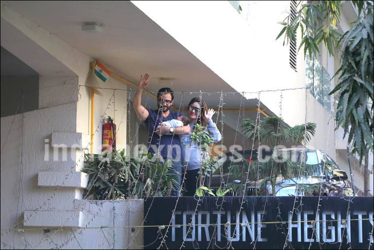 Kareena Kapoor, Kareena Kapoor discharged, Taimur Ali Khan, Taimur Ali Khan first pics, Taimur kareena saif first pics, Taimur kareena saif pics, saif ali khan, Taimur Ali Khan photos