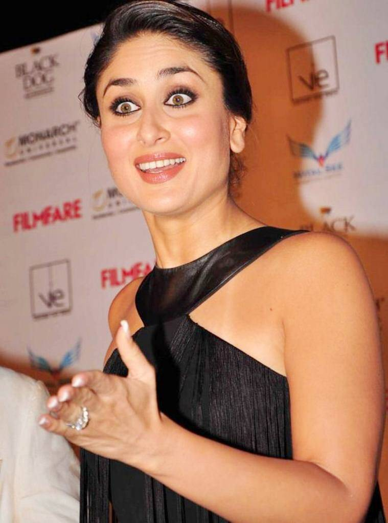 kareena-kapoor-launch-latest-issue-of-filmfare-magazine-12