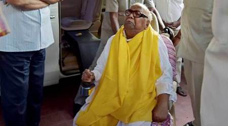 DMK chief Karunanidhi discharged fromhospital