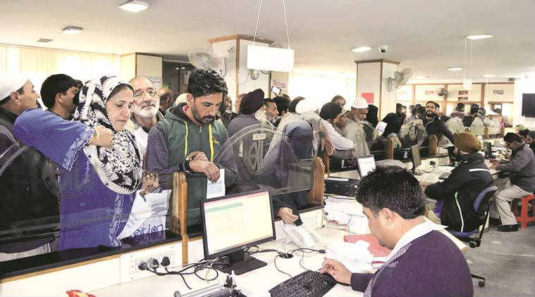 demonetisation, demonetisation effects, demonetisation impact, banks, RBI, Baks withdrawal, currency demonetisation, ATm, ATM queues, bank queues, Rs 500, 1000 notes ban, old currency notes, demonetisation december 30, narendra Modi, Modi, PM Modi demonetisation, business news, indian express news