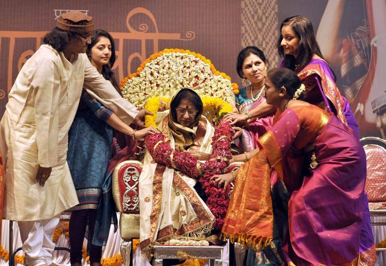 Indian classical singer Kishori Amonkar being felicitated at 'Gaansaraswati Mahotsav' at Ganesh Kala Krida Manch. (Source: Express photo by Shivakumar Swamy)