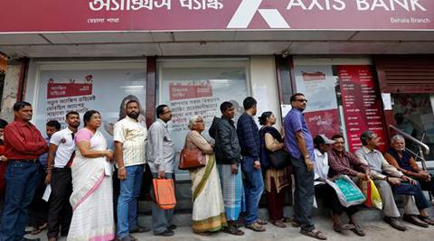 Demonetisation: People rush to buy fuel, bank customers' woes continue