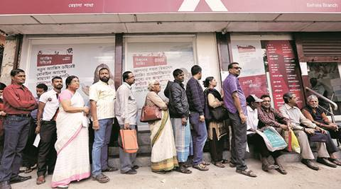 Day before payday marked by long queues in Kolkata, currency crunch