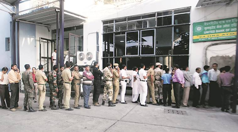 demonetisation, kolkata, kolkata atm queue, kolkata atm line, bank queue kolkata, mamata banerjee kolkata, west bengal demonetisation, india news