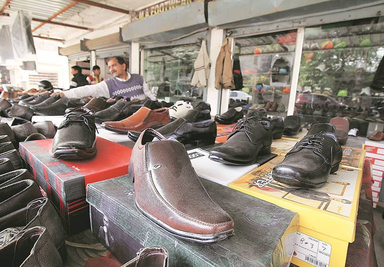 demonetisation, demonetisation effects, demonetisation impacts, demonetisation uttar pradesh, demonetisation leather industry, demonetisation effects on leather industry, kanpur, Unnao, PM Modi, narendra Modi, PM Modi demonetisation, demonetisation deadline, currency ban, currency ban effects, notes ban, demonetisation struggle, banks, Bank queues, ATm queues, Uttar Pradesh, india news, indian express news