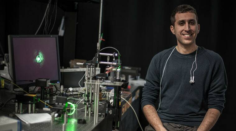water wave laser, lasers for cell biology, lab on a chip laser, laser for drug therapies, Technion Israel Institute of Technology, non linear optics, how to create laser, laser radiation, light waves, fibre optic light, science, science news