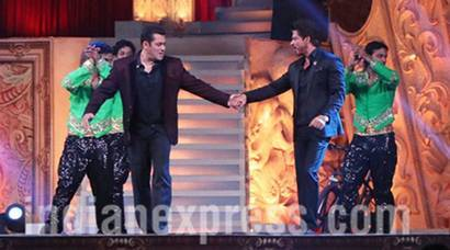 Star Screen Awards 2016: Shah Rukh Khan-Salman Khan's bromance left audience in frenzy
