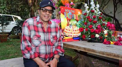 Dharmendra celebrates a quiet birthday, Varun Dhawan and Arjun Kapoor spotted