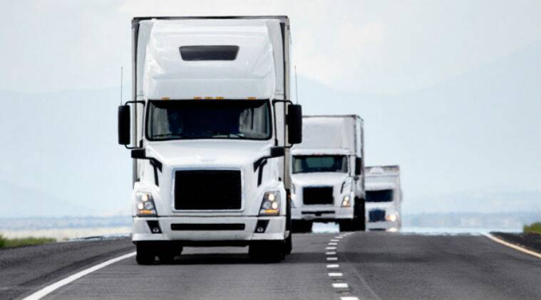 driverless trucks, driverless cars, driverless fleet, driver less platoon, save fuel costs, MIT researchers, science, science news