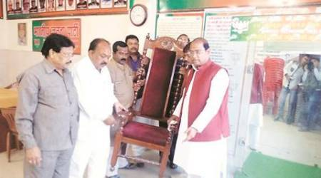 Kissa Kursi Ka: To repeat 2014 success, BJP brings out 'lucky' chair for PM Modi in Kanpur