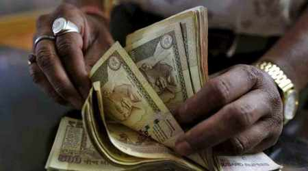 demonetisation, cash crunch, old currency seized, surat old currency, money scam, black money, indian express news, india news