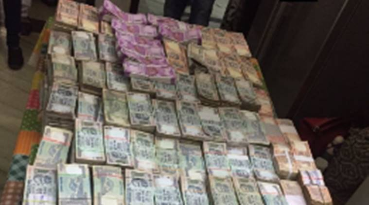 Rs 33 lakh cash in 2000 rupee notes seized; 5 held