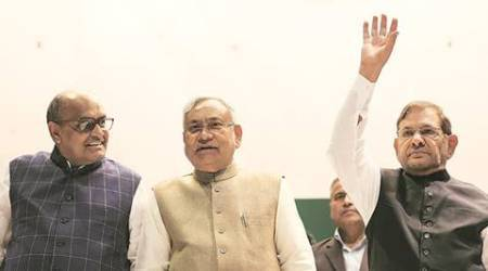 Nitish Kumar backs 'notebandi', but Sharad Pawar questions PM Modi's move