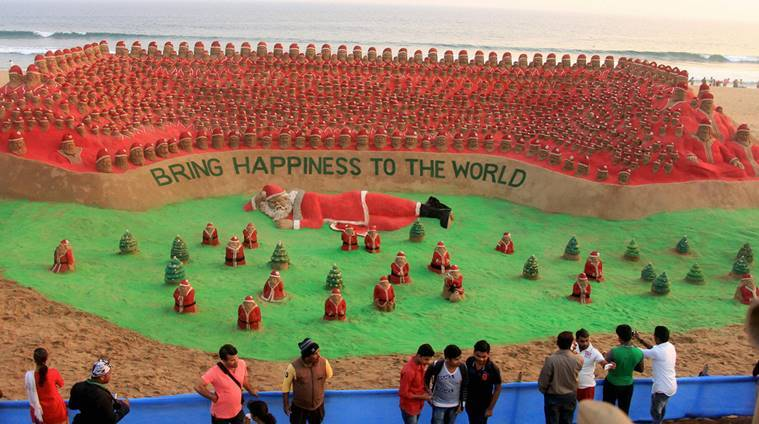 Sudarsan Pattnaik, Sand santas, sand santas record, Limca book of  records, sand castles, 2012 Limca Book record, news, latest news, India news, national news