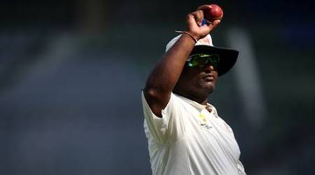 Ramesh Powar explains the art of bowling spin at Wankhede