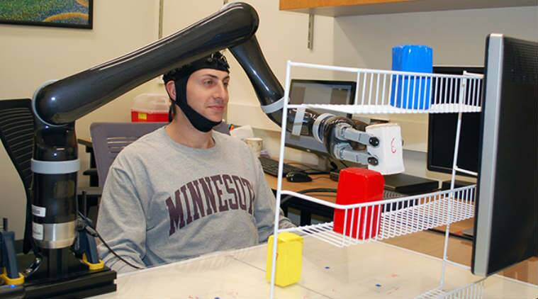 robot, robotic hands, mind controlled robots, robots with AI, robotic arms, robots for disbled, robots for paralysed, electroencephalography, University of Minnesota robots, science, science news