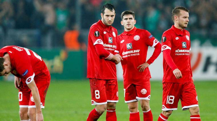 Football Soccer - St Etienne v  FSV Mainz 05  - UEFA Europa League Group Stage - Group C - Stade Geoffroy-Guichard, Saint-Etienne, France - 24/11/16 - FSV Mainz 05's players look on after the match. REUTERS/Robert Pratta