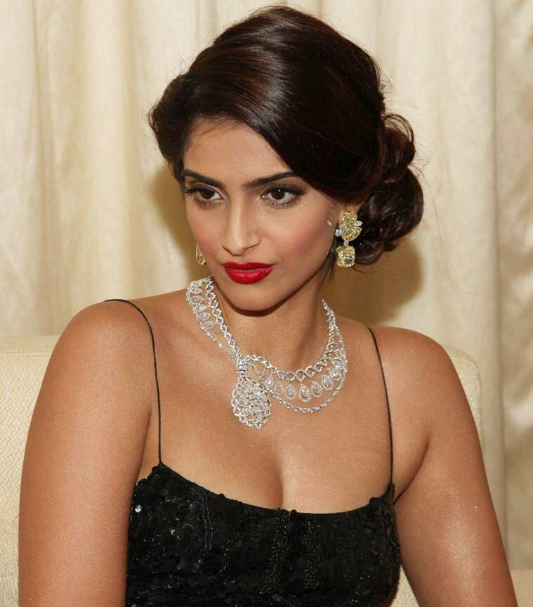 Sonam Kapoor Photos 50 Rare Hd Photos Of Sonam Kapoor