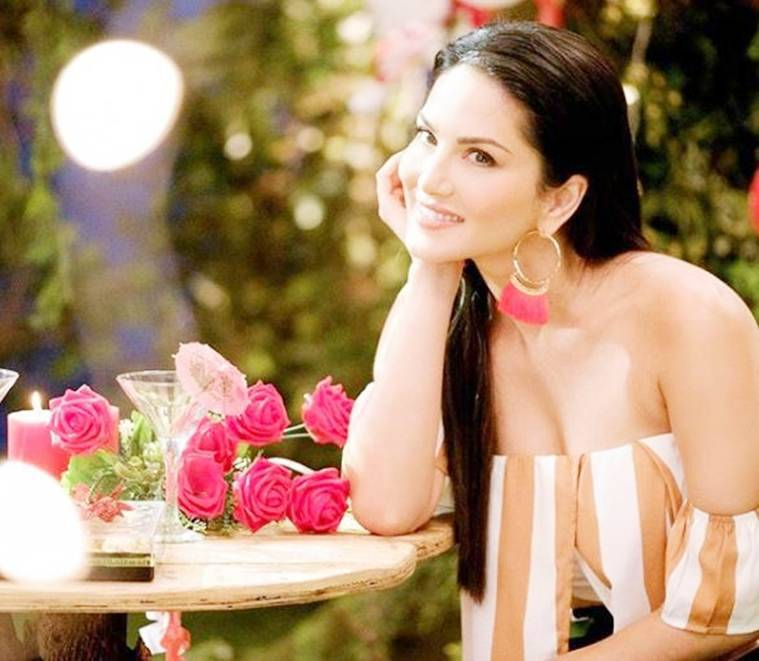sunny leone latets photos