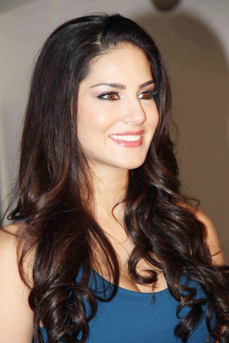 sunny-leone-fillming-mtv-india-s-webbed-in-mumbai_1