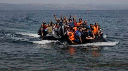 Turkey stops 40 Syrian migrants from crossing to Greece