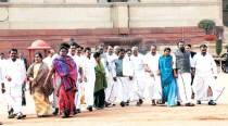 AIADMK MPs meet President over Jallikattu, say Centre not being helpful