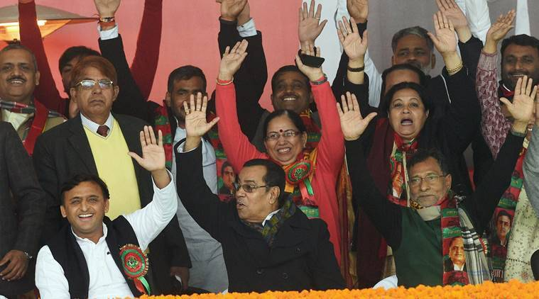Lucknow : Uttar Pradesh Chief Minister and newly unanimously elected party's national president Akhilesh Yadav with his supporters during Samajwadi party national convention in Lucknow on Sunday. PTI Photo by Nand Kumar(PTI1_1_2017_000093B)
