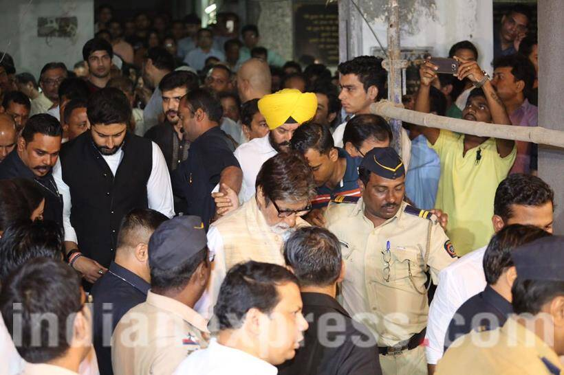 Amitabh Bachchan and his son Abhishek Bachchan were spotted coming in to pay their respect. Amitabh Bachchan and Om Puri had worked in several movies together like Ghatak, Dev and Lakshay. On the shocking news of Puri's death, the megastar shared his best memories with the actor on Facebook. Coincidentally, they had met just a day before Puri succumbed to heart attack at his Mumbai residence. Big B recalled how Puri visited the sets of Sarkar 3 and shared some pictures of the meeting. He also posted some photos of the pair during the launch of Puri's biography, The Unlikely Hero: Om Puri. Credits: Amit Chakravarty