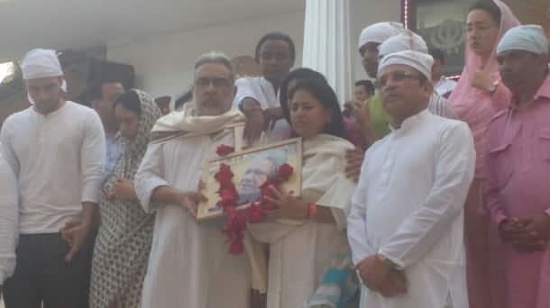 annu-kapoor-prayer-meet