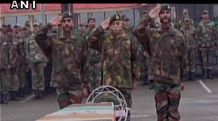 army, indian army, tributes, martyrs, tributes, avalanche deaths, soldier deaths, cold weather, line of control soldiers, india news, indian express news
