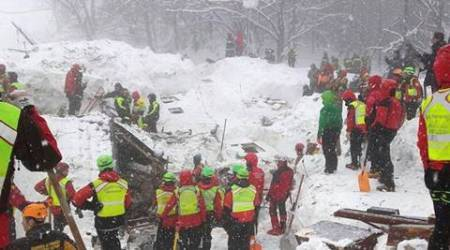 Italy avalanche, Italy avalanche destruction, Italy avalanche deaths, Italy Hotel Rigopiano debris, Italy avalanche survivors, Prime Minister Paolo Gentiloni, protest in Rome, Rome protests, world news, indian express news