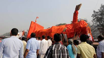 bal thackeray, bal thackeray statue, balasaheb thackeray statue,balashaeb thackeray bronze statue, shiv sena, late bal thackeray, india news, mumbai news