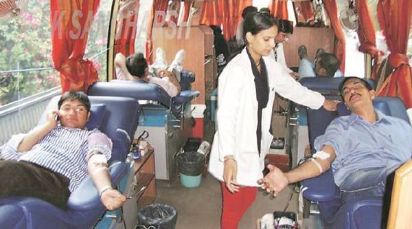 central govt employee, blood donation, govt employee blood donation, blood donation leave, india news, Indian express news