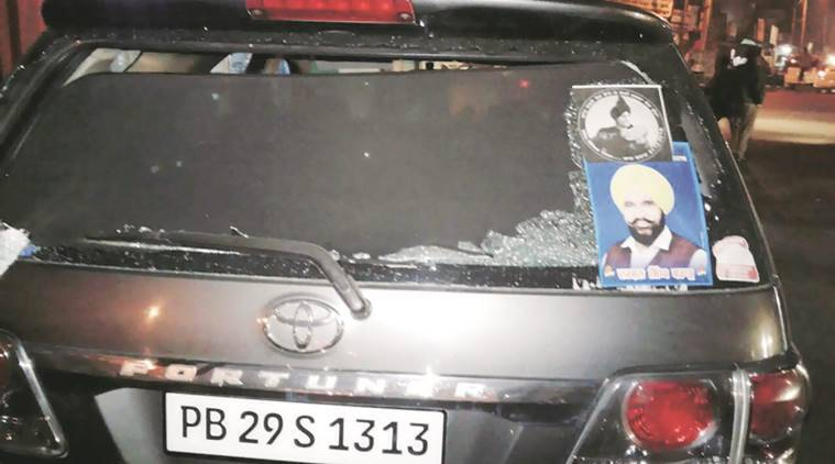 punjab polls, punjab elections 2017, punjab assembly elections 2017, aap punjab, punjab congress, Baghapurana constituency, stones thrown at congress candidate in punjab, Darshan Singh Brar, SAD punjab, shiromani akali dal, bjp punjab, akali dal, moga district, mahla, SAD candidates, punjab congress committee, punjab yourth congress leader, punjab elections news, punjab news
