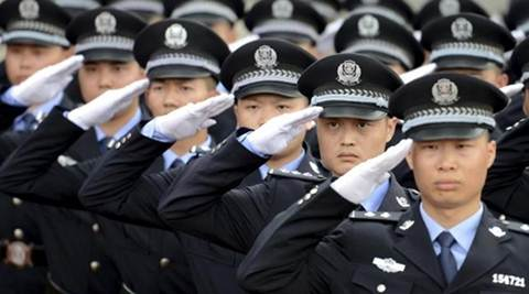 china, chinese police, chinese police smile course, chinese police better service, china bad attitute complaint, china police hospilality lesson, bizarre news, weird news, latest news