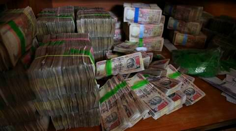 Two held with fake notes in Malda