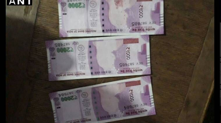 fake currency, madhya pradesh, sheopur, mp farmers, note without gandhi image, mp farmers gandhi image, madhya pradesh farmers note without gandhi image, 2000 note without gandhi image, india news