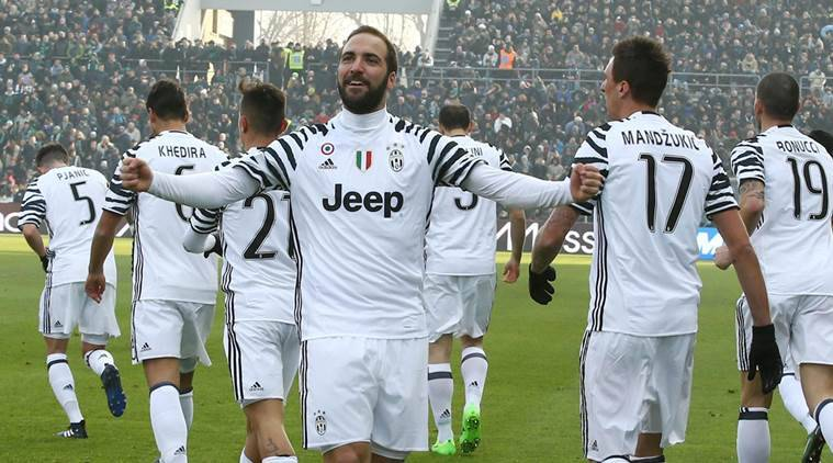 Gonzalo Higuain Strikes Again For Juventus As Rivals Flounder Sports News The Indian Express