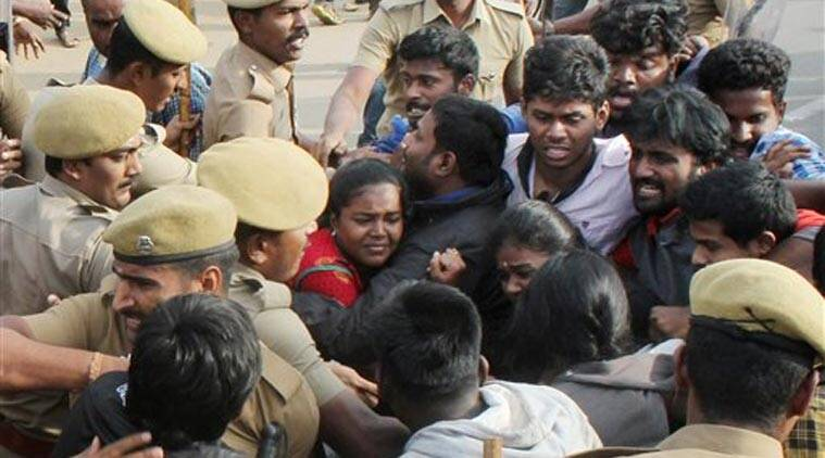 Jallikattu, Jallikattu bill, marina beach protest, Jallikattu protest, Jallikattu injured, Jallikattu updates, what is Jallikattu, chennai, tamil nadu, jallikattu protests, jallikattu violence, jallikattu live updates, ice house police station, police station burnt chennai, tamil nadu protest, Vidyasagar Rao,O Panneerselvam, indian express news, india news