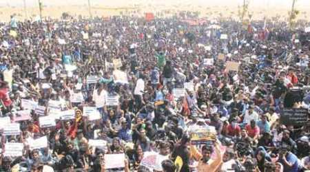 Jallikattu protests: Leaderless on Marina Beach, they kept the leaders away