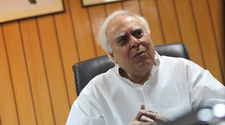 Ayodhya hearing: Kapil Sibal sticks to stand, says  did not appear for Sunni Waqf