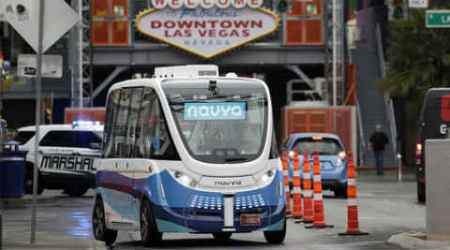 Driverless electric shuttle being tested in downtownVegas