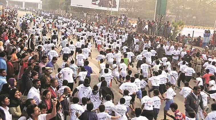 Mumbai Marathon, Standard Chartered Mumbai Marathon, medical help, dehydration, dehydration cases, healthy run, indian express news, india news, mumbai news