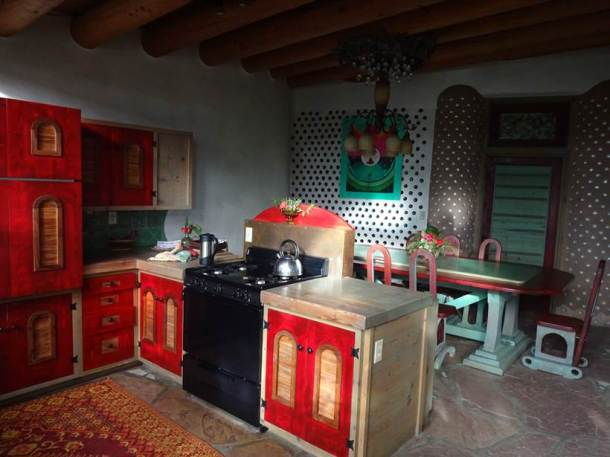 earthship community, sustainable living, sustainable home, phoenix home, earthship home america, lifestyle news, sustainable environment, world news, latest news