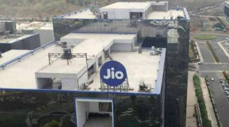 Reliance Jio, Reliance 4G offer, data pricing, data consumption, tariff plan, Reliance tariff plan, Commerical operation from March,Reliance Industries,Indian Teleco, Indian telecom price wars, India telecome space, 4g data tariffs, Telecom subscribers, Technology, Technology news