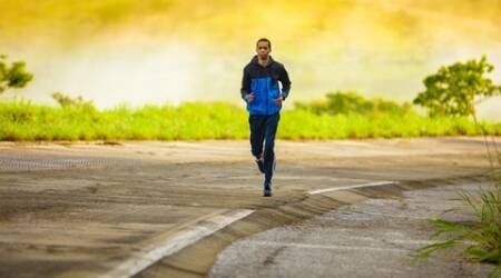 running marathon tips, running marathon easily, how to run a marathon, running dos and donts, running effects, running tips
