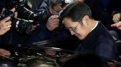 South Korea prosecutor to decide on seeking arrest of Samsung head Jay Y Lee by Sunday