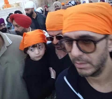 shah rukh khan, abram, srk, shahrukh khan, srk abram image